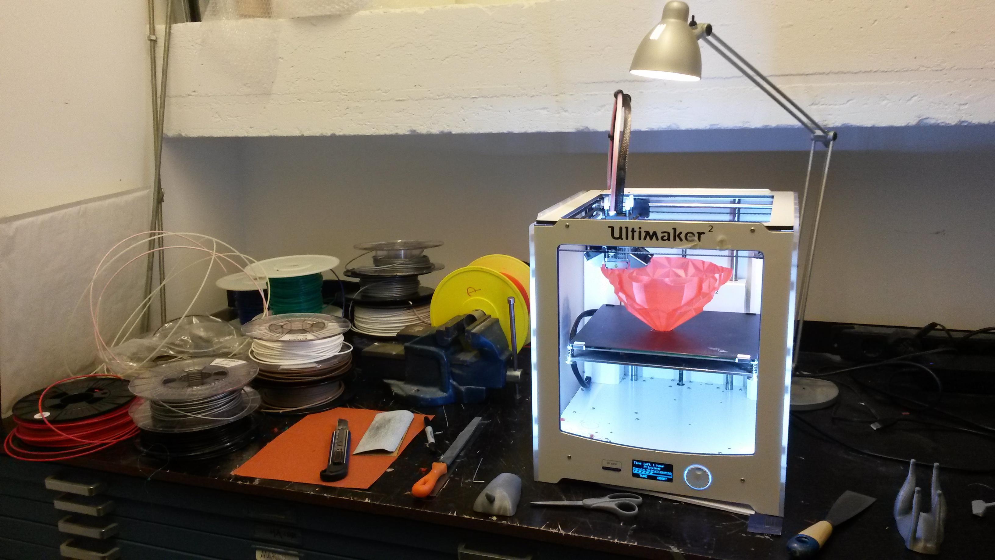 bbbb675914e58a Nederlanders 3D-ontwerpen en 3D-printen er op los. Zonder tussenkomst van  grote producenten. Is dit het Nieuwe Produceren?